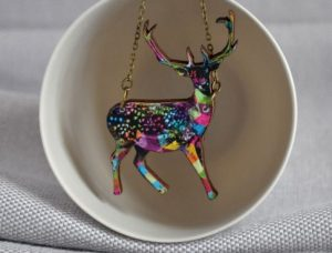 arty-smarty-necklace-geometric-deer-2