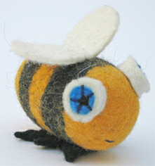 Felted-Wool-Animals-Jamie-Lewis-bee