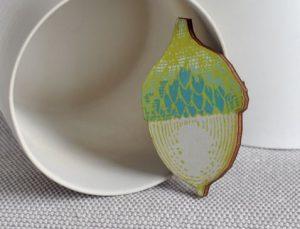 arty-smarty-brooch-acorn-5