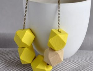 arty-smarty-geometric-wooden-necklace-1